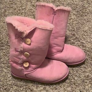 Pink fur looked Ugg boots size 6 RUN BIG
